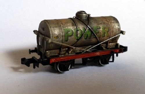 373-675Z Osborns/Farish Exclusive: 14 Ton Tank Wagon With Large Filler 'Power' WEATHERED